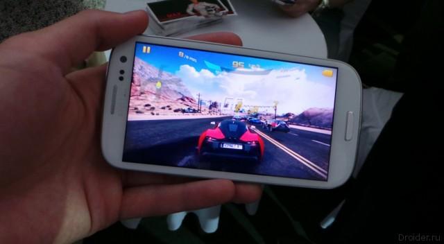 Gameloft показала журналистам Asphalt 8 во время Moscow City Racing | интервью игры гонка gameloft