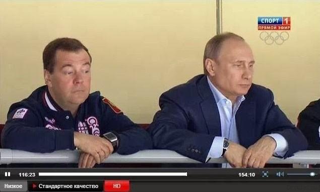 Медведев, Путин и часы Galaxy Gear