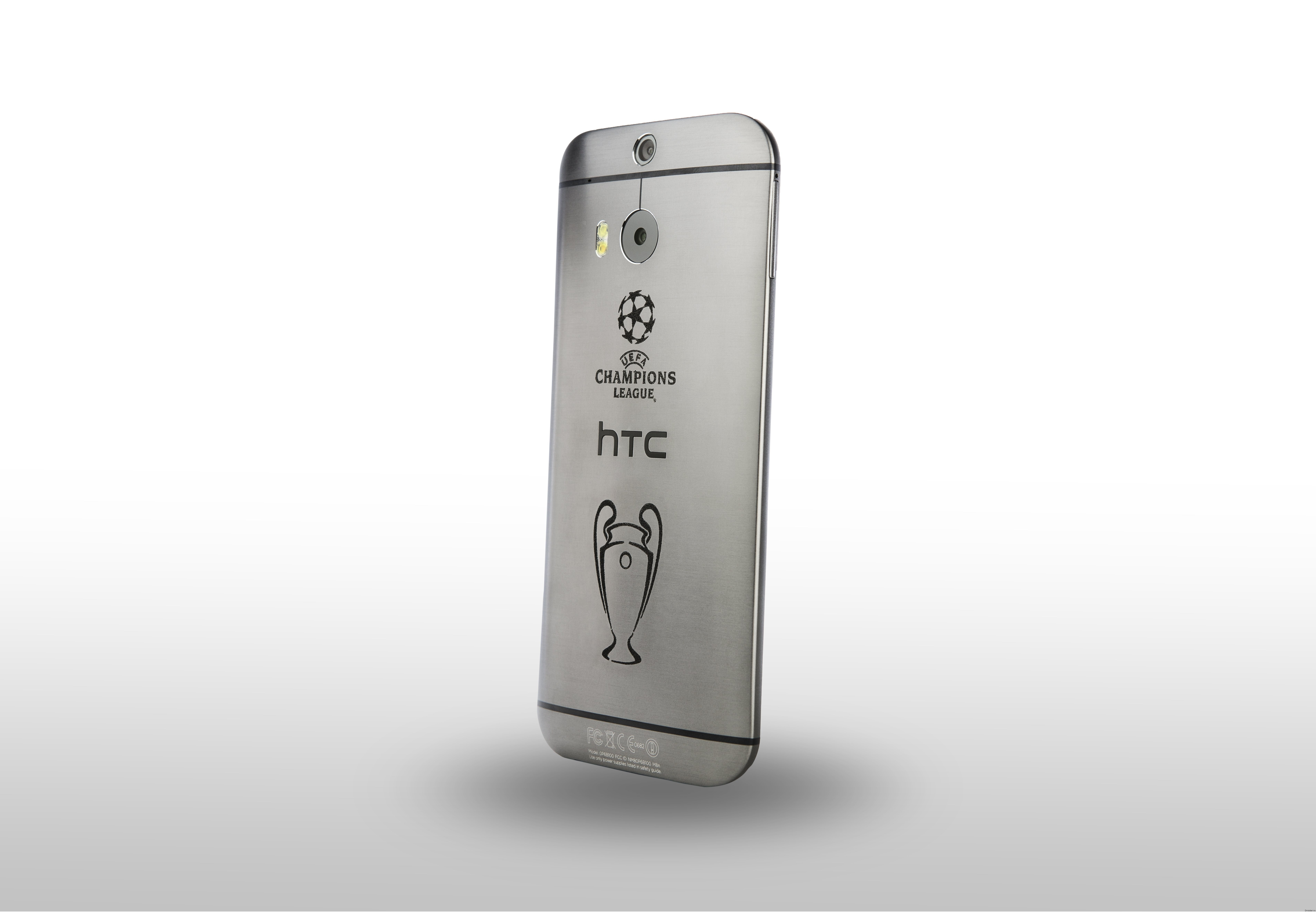 HTC One (M8) Champions League Collector's Edition