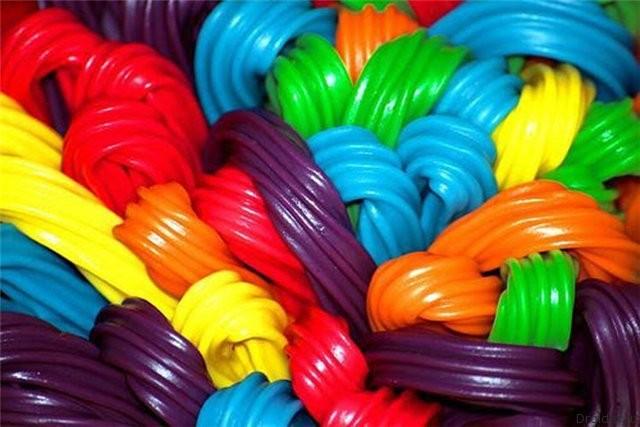 Лакричные конфеты как символ Android L