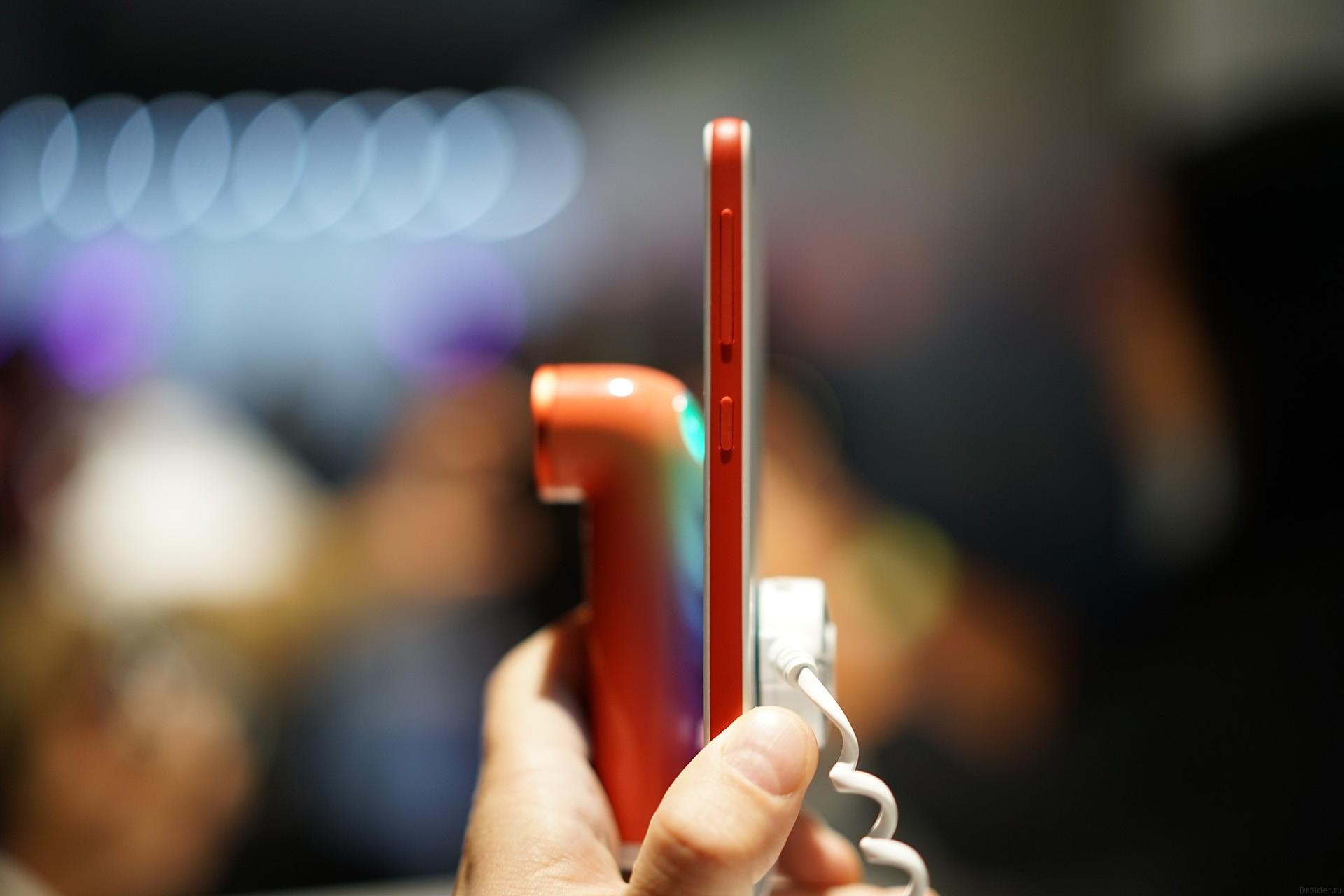 Экшен-камера HTC Re и смартфон Desire Eye