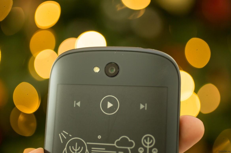 Смартфон YotaPhone 2 вырос в цене на 21%