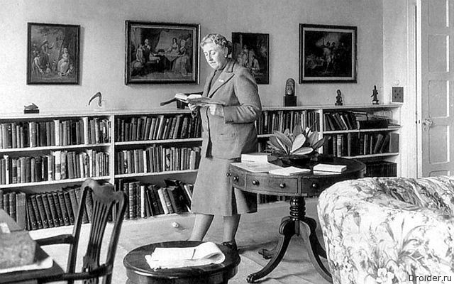 Agatha Christie in the Library at Greenway
