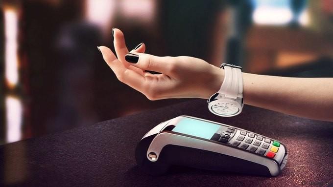 «Альфа-Банк» выпустил собственные наручные часы с PayPass