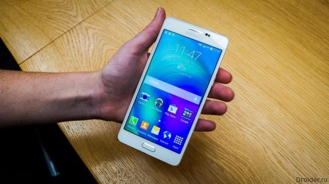 Samsung внедрит флагманские технологии в бюджетные смартфоны