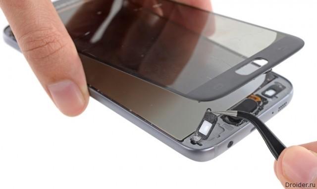 В Galaxy S7 от Samsung слишком много клея