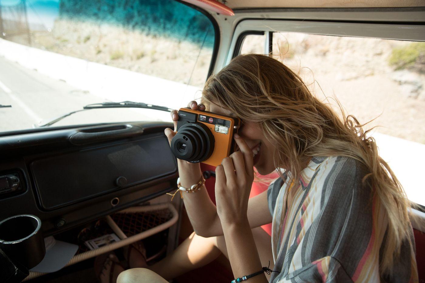 Leica возрождает моментальные снимки с камерой Sofort