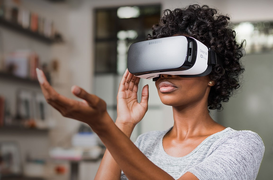 Samsung готовит 2 новые VR-гарнитуры