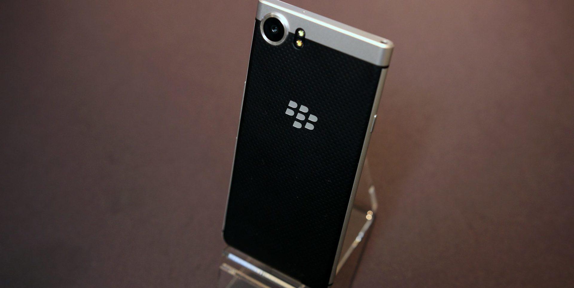 BlackBerry дразнит новым QWERTY-смартфоном | CES 2017