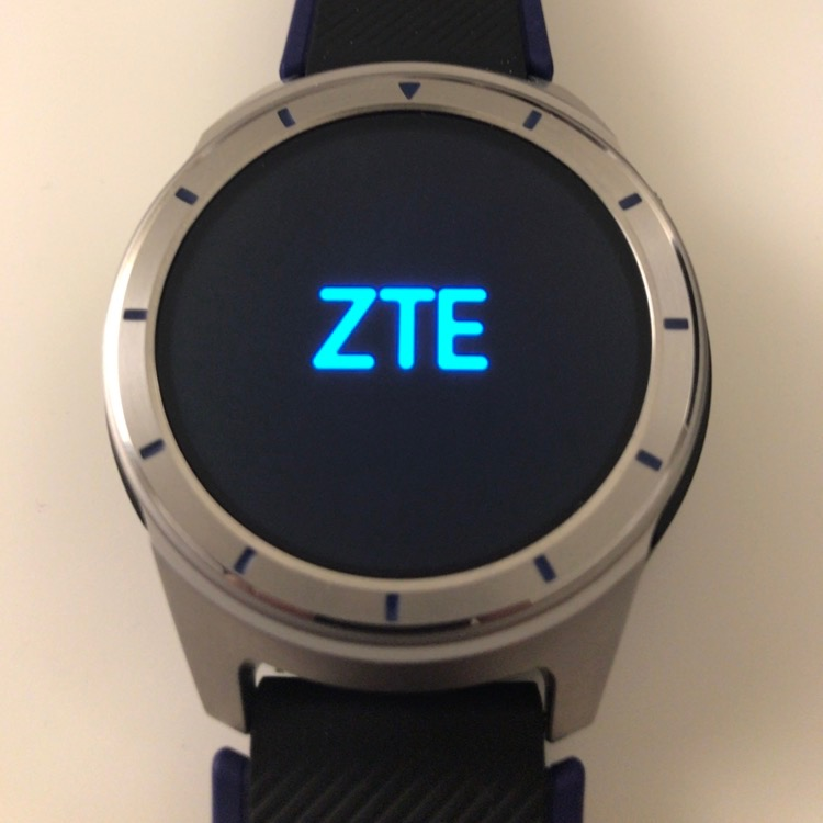Смарт-часы ZTE на снимках