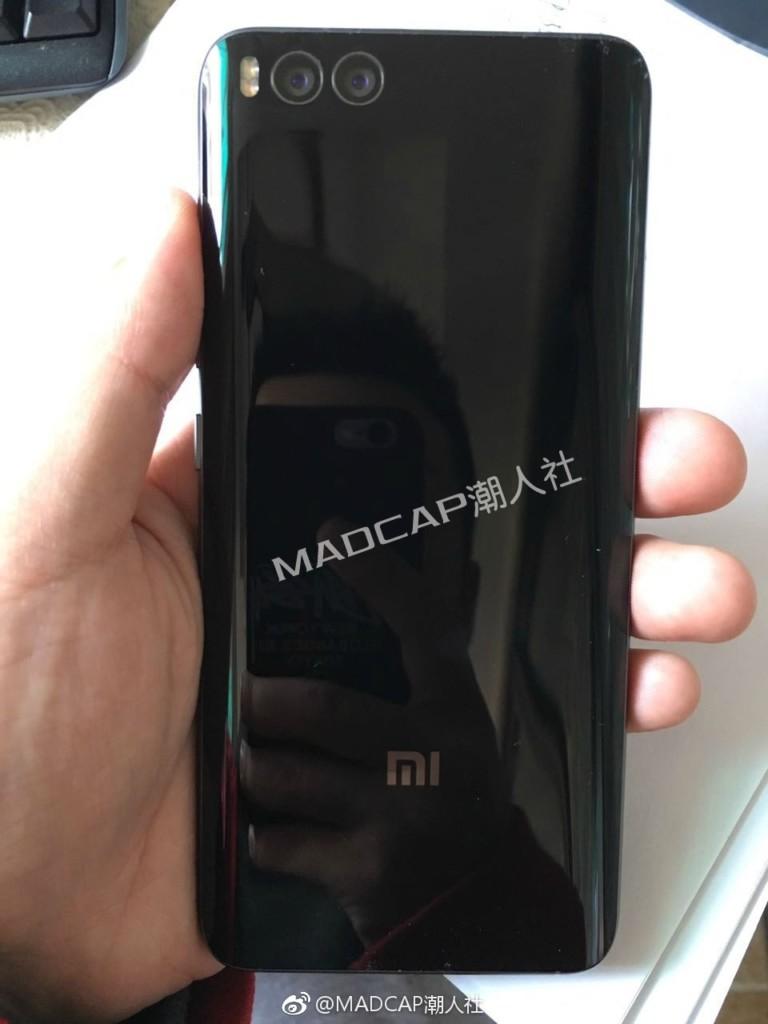 Флагман Xiaomi со всех сторон