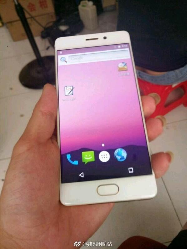 Pro 7 от Meizu обладает 2 цветными экранами