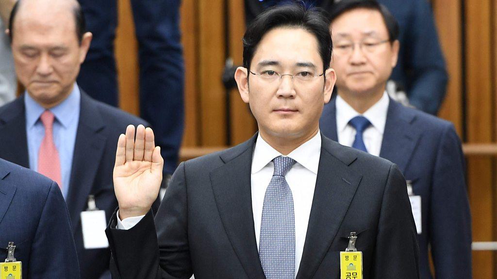 Боссу Samsung дали 5 лет тюрьмы