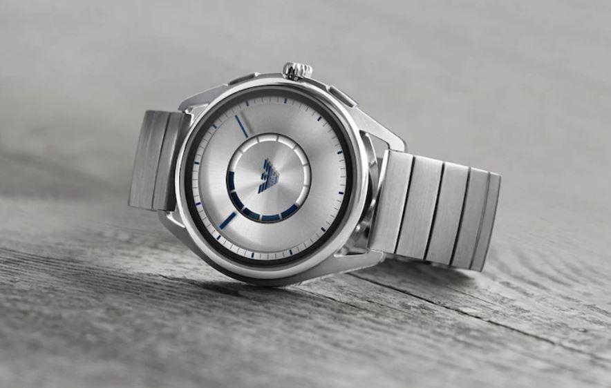 Анонсированы новые смарт-часы от Emporio Armani