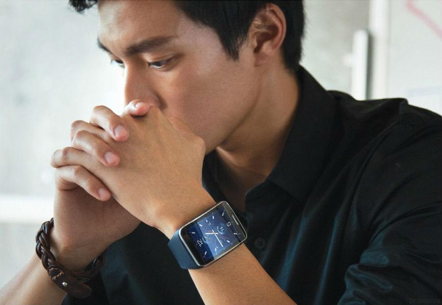 """Samsung продемонстрировала миру """"умные"""" часы Gear S"""