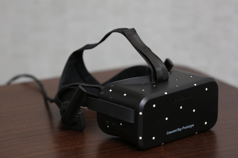 """Живое"" фото VR-шлема Oculus Bay от компании Oculus VR"