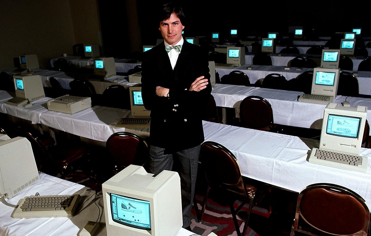 Стив Джобс в 1984 году. Фото: Michael L Abramson/Getty Images