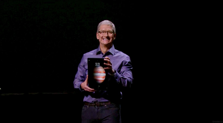 Счастливый Тим Кук и iPad Pro