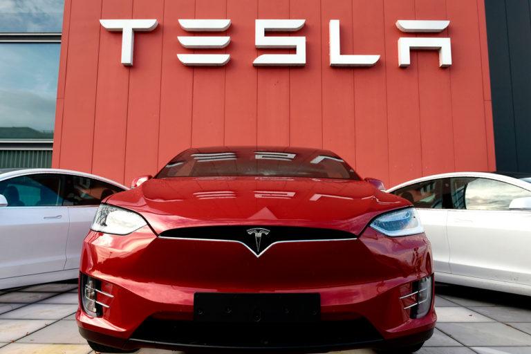 Panasonic продал долю в Tesla: Сделка оценивается в 3,6 миллиарда долларов
